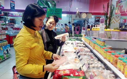 hàng hóa Tết, siêu thị, cạnh tranh, giá và chất lượng