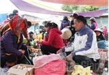 Tấp nập chợ Tết vùng cao Sơn Động