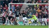 De Gea 'đốt lưới nhà,' Manchester United gục ngã trước Sunderland