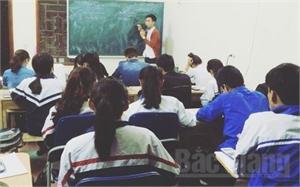 Nặng lòng với học sinh nghèo