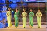 """Mãn nhãn với đêm hội áo dài """"Nơi huyền thoại bắt đầu"""" tại Festival Huế"""