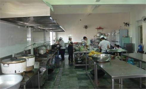 Bắc Giang: Xử phạt gần 50 triệu đồng bếp ăn tập thể vi phạm ATTP