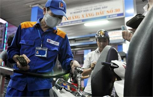 Giá xăng tăng 640 đồng/lít từ 15 giờ ngày 5-5