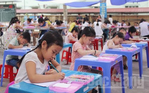"""Thi vẽ tranh """"Thiếu nhi TP Bắc Giang xây dựng văn hóa-văn minh đô thị"""""""