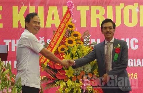 Khai trương, siêu thị, Văn Chiến, Lục Ngạn