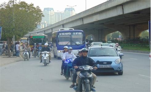 Từ 5- 6, bỏ thu phí sử dụng đường bộ đối với xe máy