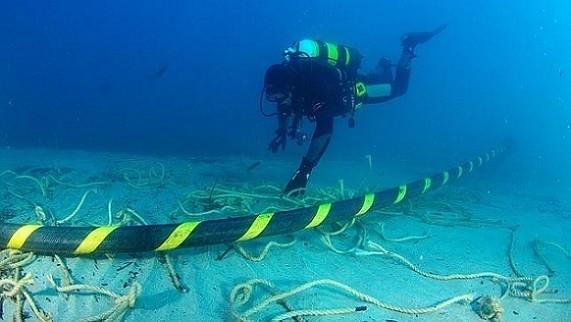 Tốc độ, truy cập, in-tơ-nét, bị chậm, bảo trì, tuyến cáp quang biển, AAG