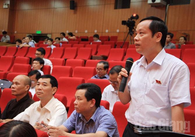 """HĐND tỉnh Bắc Giang: Chất vấn sôi nổi, thẳng thắn nhiều vấn đề """"nóng"""""""