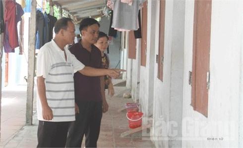 Bắc Giang: Khởi tố vụ án bắt 4 nữ công nhân, ép làm tiếp viên quán karaoke