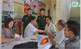 Bệnh viện Quân y 110: Khám bệnh, cấp thuốc miễn phí cho 450 đối tượng chính sách nhân dịp 27-7