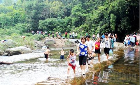 Bắc Giang: Xây dựng ngành du lịch văn minh, chuyên nghiệp