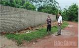 Việt Lập huy động sức dân xây trường, làm đường