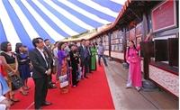 Hơn 200 tài liệu xuất hiện tại triển lãm về Châu bản, Mộc bản