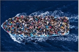 Italia cứu hơn 1 nghìn người di cư trên biển Địa Trung Hải
