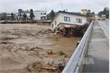 Bão mạnh càn quét Nhật Bản, 10 người thiệt mạng