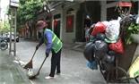Nghị lực của nữ công nhân vệ sinh môi trường
