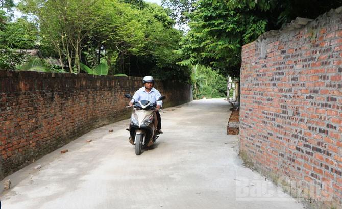 Phụ nữ Đồng Sơn hiến đất xây dựng nông thôn mới