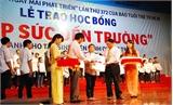 """6 sinh viên Bắc Giang được nhận học bổng """"Tiếp sức đến trường"""""""