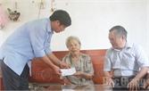 Lãnh đạo huyện Việt Yên thăm, tặng quà người cao tuổi