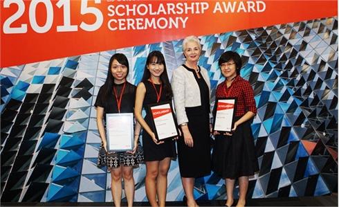Học bổng toàn phần tại Mỹ dành cho người Việt trẻ