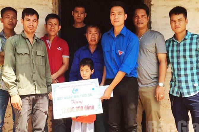 Lạng Giang, hỗ trợ, Trịnh Đình Công