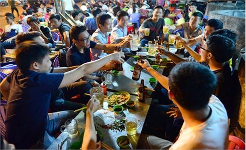 Người Việt lọt top nhất thế giới về uống rượu bia: Gia tăng bệnh tật
