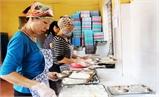 Chất lượng bữa ăn bán trú: Chưa hết lo