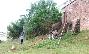 Xây dựng nhà ở trên bãi sông: Hiểm nguy rình rập
