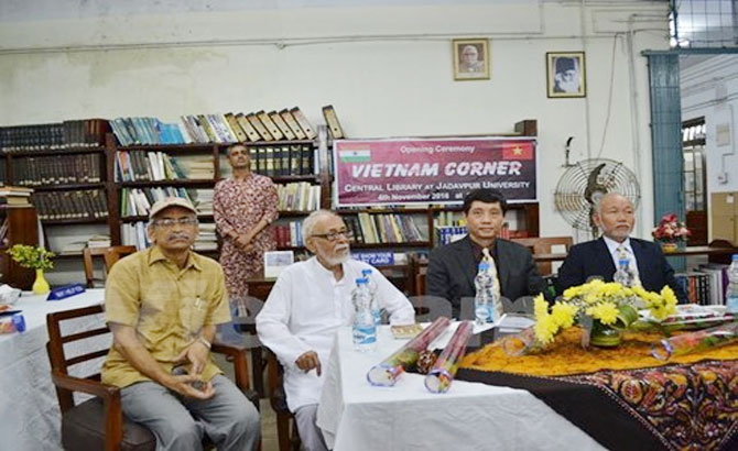 Vietnamese Book Corners open in India