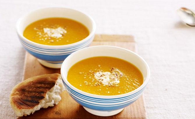 Cách nấu súp bí đỏ thơm ngậy, bổ dưỡng cho cả nhà