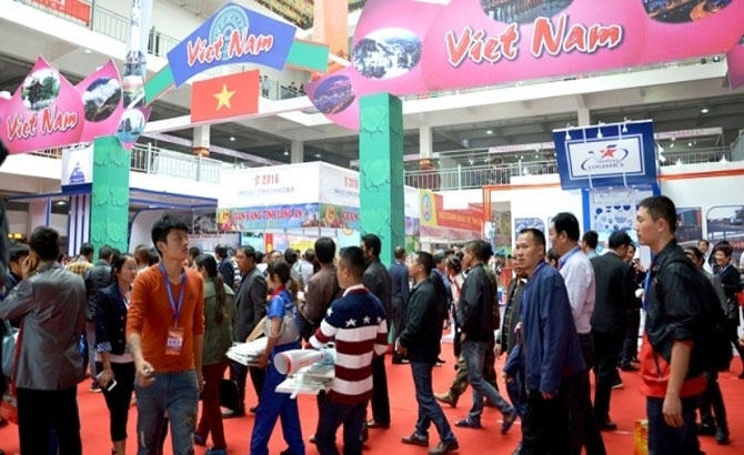Vietnam sets up over 300 booths at China-Vietnam Int'l Trade Fair