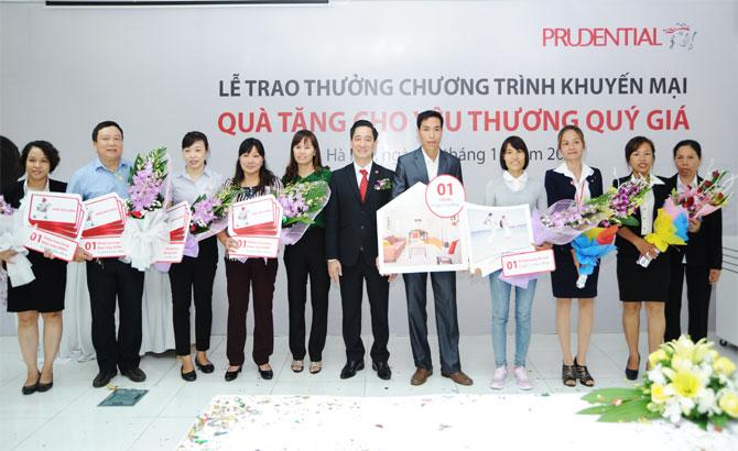 Prudential, trao giải thưởng, trị giá 1,5 tỷ đồng, khách hàng, Bắc Giang