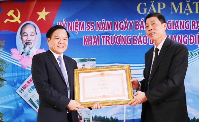 Báo Bắc Giang, kỷ niệm, 55 năm, ra số đầu, khai trương, báo điện tử, tiếng Anh
