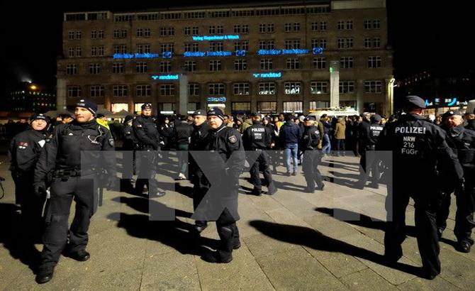 Đức, lần đầu tiên, xét xử, nghi phạm, IS, xâm nhập,  nước này