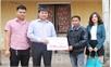 Huyện đoàn Việt Yên ủng hộ 18 triệu đồng cho học sinh bị tai nạn giao thông