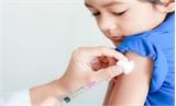 Tiêm chủng đầy đủ cho trẻ để phòng chống bệnh bạch hầu
