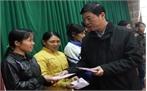 Bí thư Tỉnh ủy Bùi Văn Hải tặng quà Tết hộ nghèo tại Sơn Động