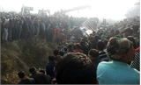 Ấn Độ: Xe buýt chở học sinh đấu đầu xe tải, 55 người thương vong