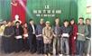Lãnh đạo Báo Bắc Giang và HTX Hải An tặng quà Tết hộ nghèo xã Xuân Hương