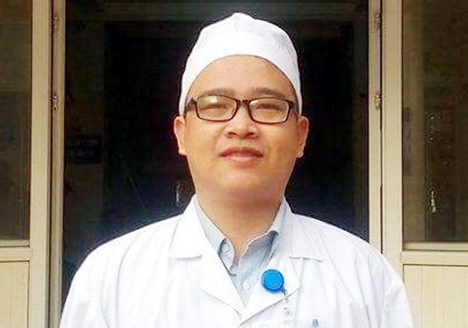 Bác sĩ Nguyễn Minh Nhất, hiến máu,  cứu bệnh nhân