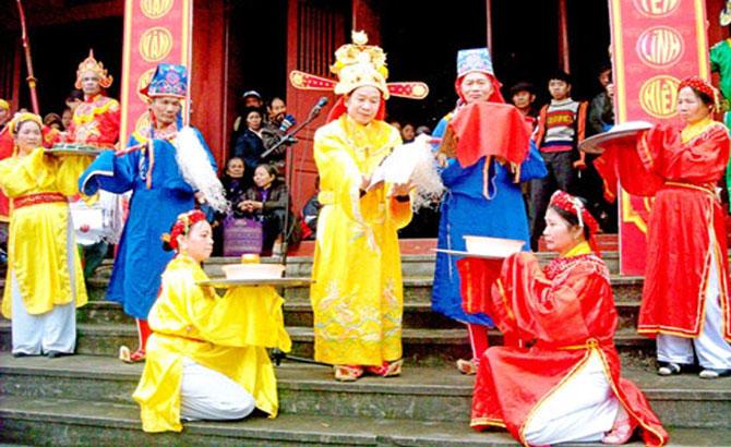 Spring festival in Cau Vong land