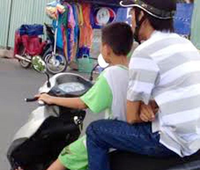 trẻ em, lái xe, vấn đề, xã hội, nhức nhối