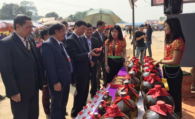 First ethnic culture festival of Yen The district looks to create a tourist magnet