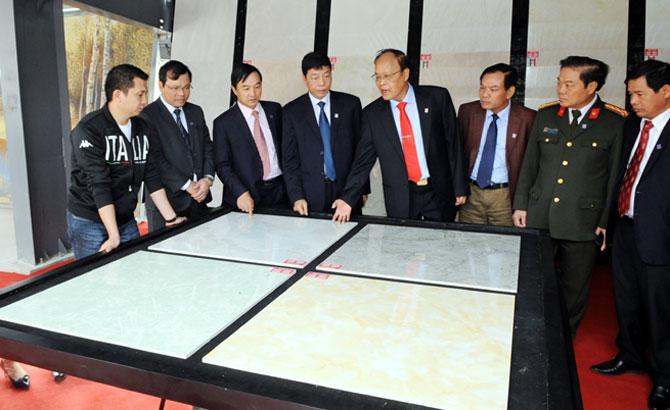 Đồng chí Bùi Văn Hải, Khánh thành, Nhà máy gạch ốp lát Granite Thạch Bàn, Bắc Giang,