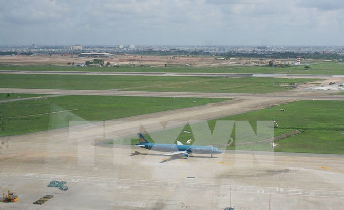 Defence ministry hands 20 ha for Tan Son Nhat airport expansion
