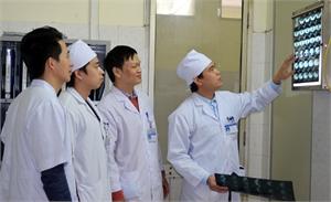 Bác sĩ chuyên khoa I Nguyễn Văn Nam: Bàn tay 'vàng' phẫu thuật lồng ngực và mạch máu
