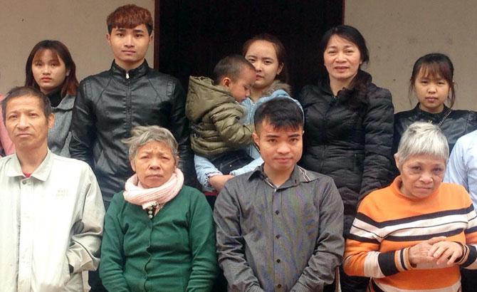 Gia đình khó khăn ở xã Hoàng An được ủng hộ hơn 30 triệu đồng