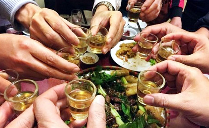 Nhiều bệnh nhân, nhập viện, lạm dụng rượu