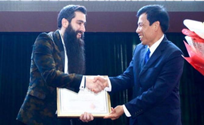 """Đạo diễn, phim """"Kong: Skull Island"""", chính thức,  đại sứ du lịch VN"""