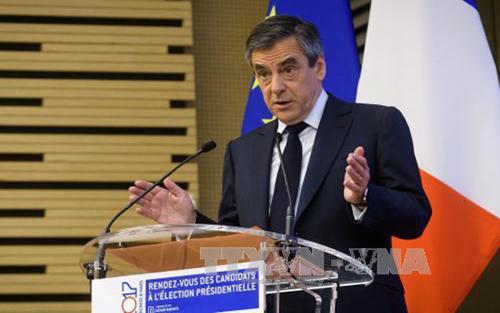 Pháp, ứng cử viên, Tổng thống, François Fillon, chính thức, truy tố